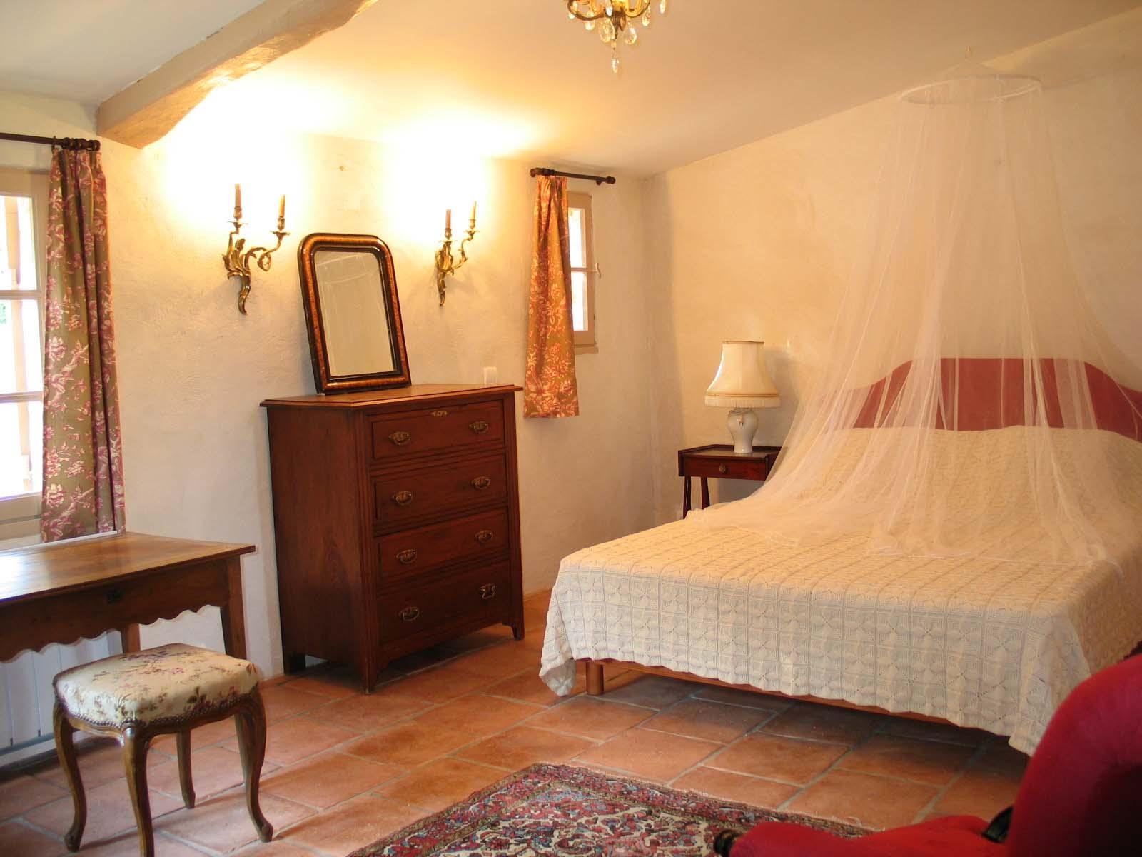 chambre du rez de chauss les garris. Black Bedroom Furniture Sets. Home Design Ideas